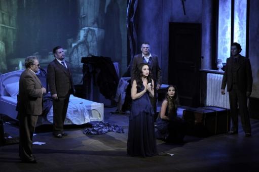 Die Sache Makropulos, Staatstheater am Gärtnerplatz, Premiere: 19.03.2010