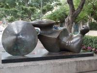 Plastik von Henry Moore